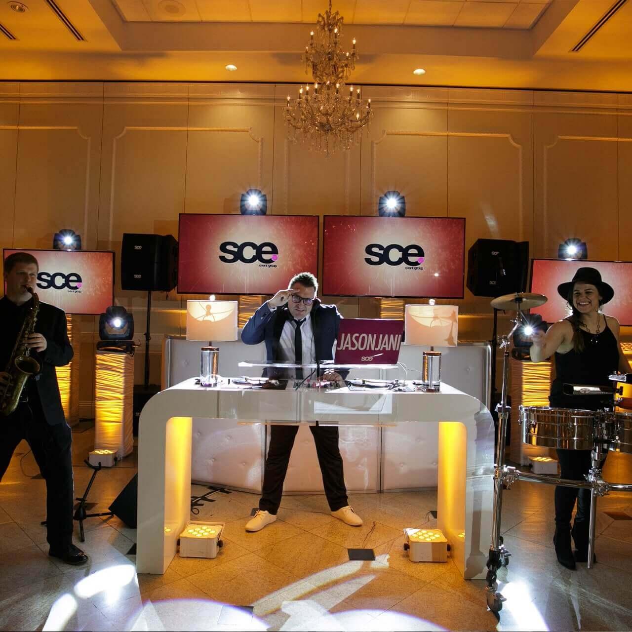 Amazing DJ Set Up